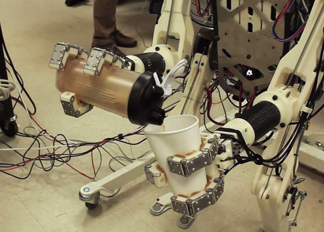 ربات Hermes با رفتار انسانی