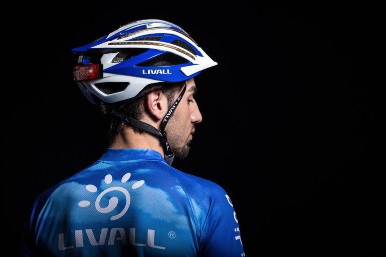 کلاه ایمنی Livall با قابلیت کنترل گوشی هوشمند
