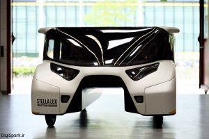 خودروی خانوادگی خورشیدی