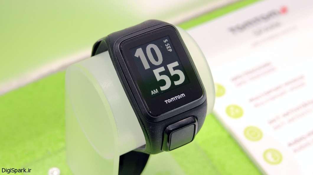 دستبند TomTom برای ردیابی سلامتی با قابلیت پخش موسیقی