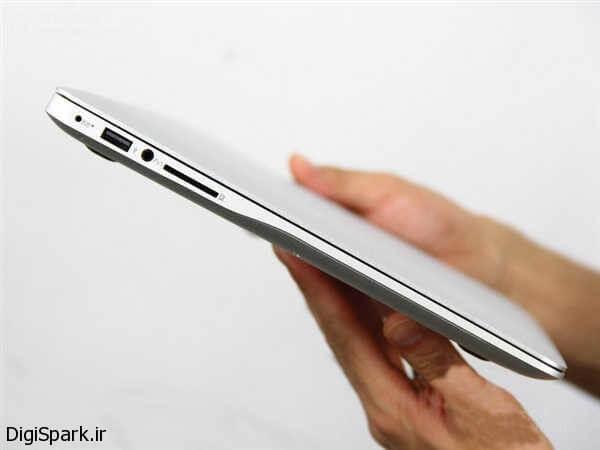 xiamoi-laptop-in-hand شیائومی