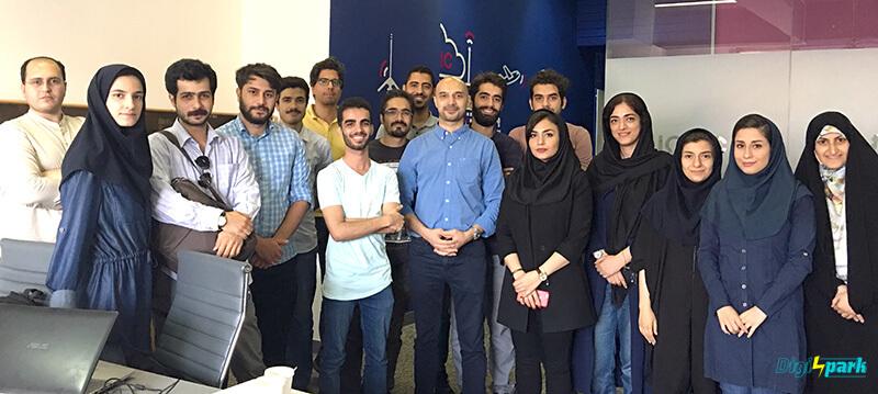 دومین مدرسه تابستانی اینترنت اشیا iot در ایران - کلاس اینترنت اشیا با رزبری پای Raspberry pi - دیچی اسپارک