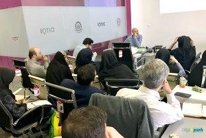 کارگاه 4 ساعته رزبری پای Raspberry pi در دانشگاه امیرکبیر - دانشجو کیت - دیجی اسپارک