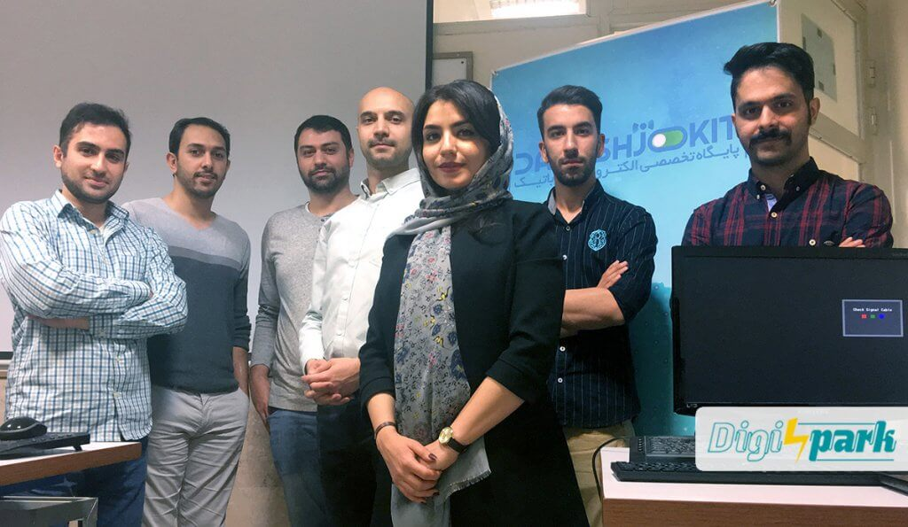 کارگاه اینترنت اشیا با رزبری پای 4 آبان 1397 در تهران - دیجی اسپارک