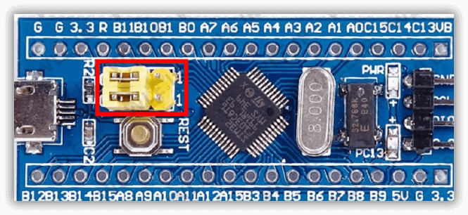 نمایی از برد STM32F103 با تراشه ARM - دیجی اسپارک