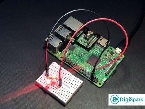 اجرای پایتون در رزبری پای و کنترل LED - دیجی اسپارک