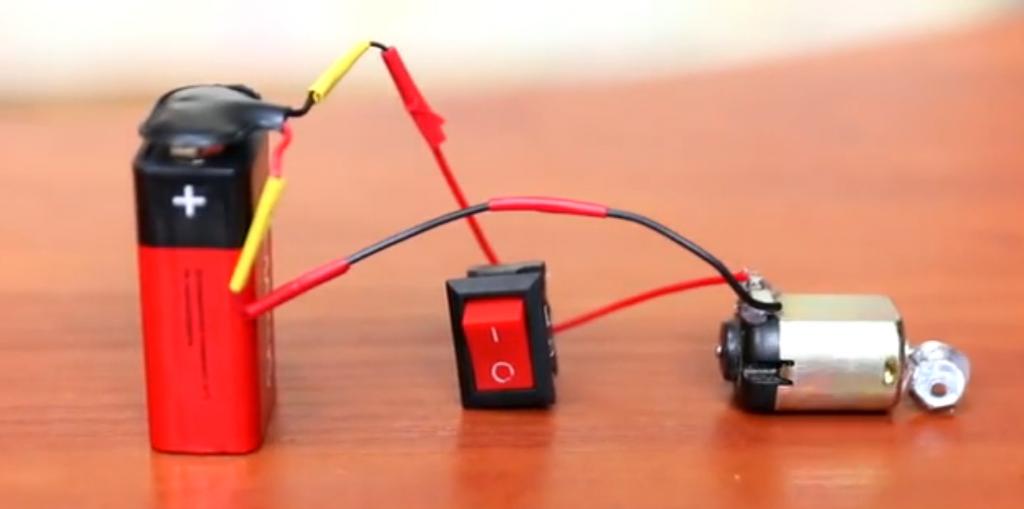 وسایل ساخت براش ربات Brush Robot - دیجی اسپارک