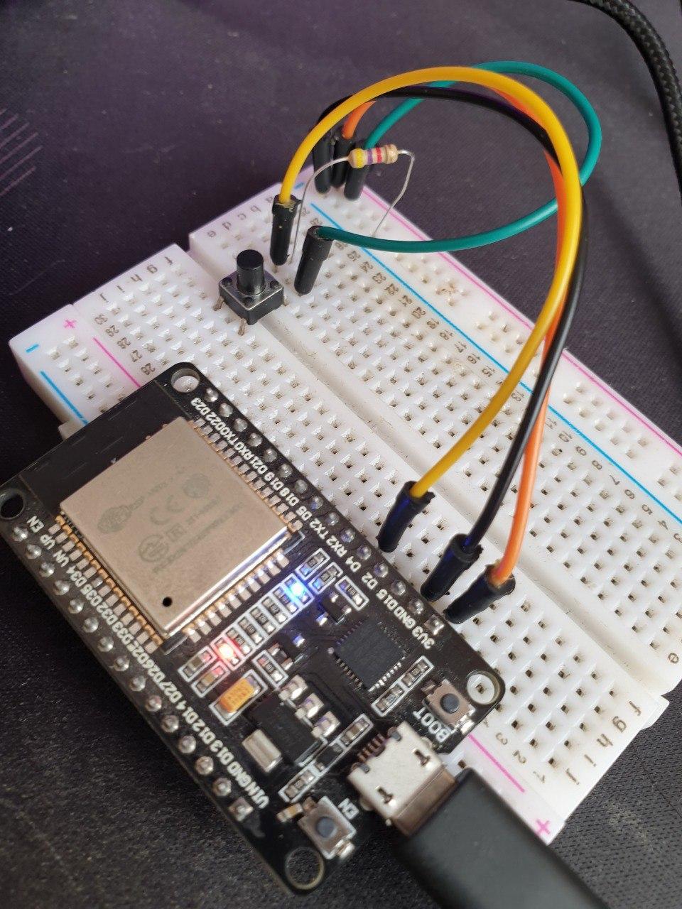 ارتباط وب سرور با برد ESP32 اتصال تریگر به برد - دیجی اسپارک