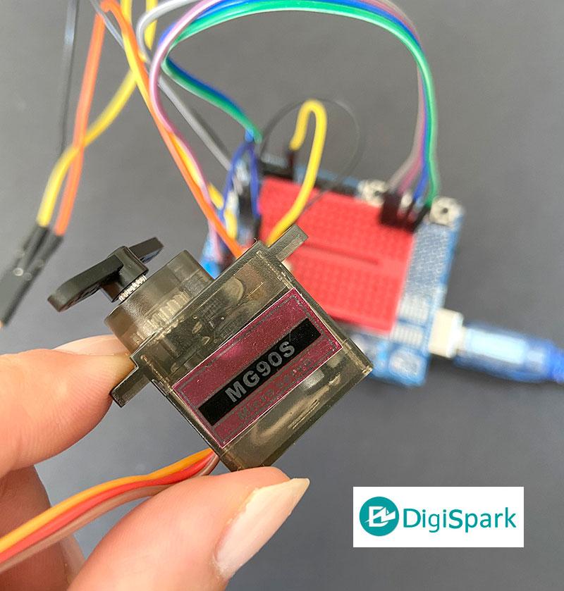 راه اندازی سرو موتور با برد آردوینو Arduino - دیجی اسپارک