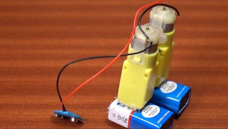 اتصالات سازه ربات چارلی چاپلین - دیجی اسپارک