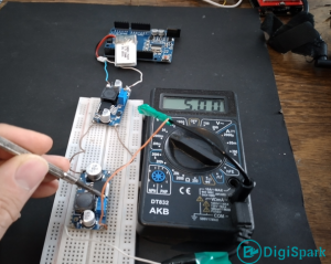 Increase the voltage of lithium batteries for power supply with XL6009 module