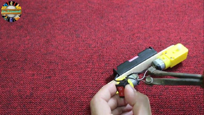 اتصال کلید راکر به ربات کاردستی همه جار رو - دیجی اسپارک