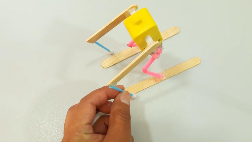 اتصال گوش پاک کن برای ساخت ربات اسکی باز - دیجی اسپارک