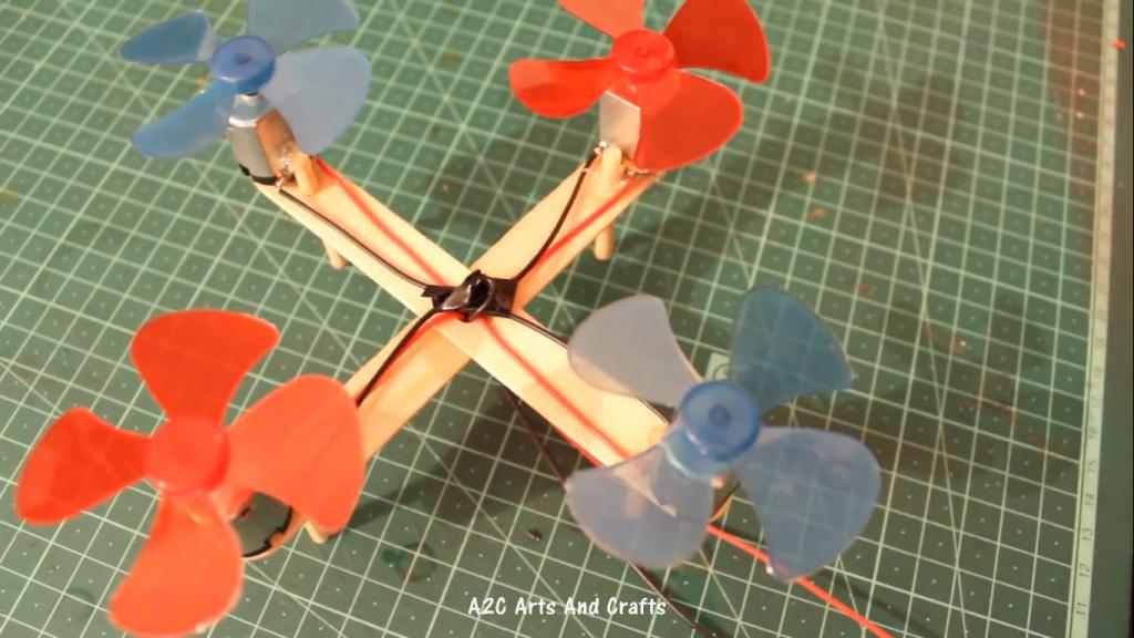 اتصال پروانه 4 پره پلاستیکی به پهپاد کاردستی - دیجی اسپارک