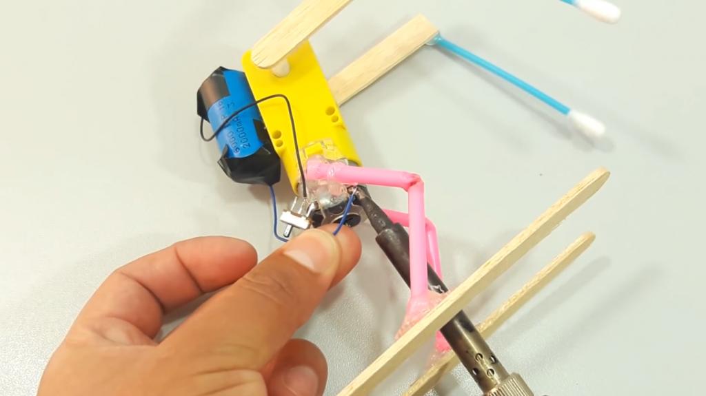 اتصال کلید به ربات اسکی باز - دیجی اسپارک