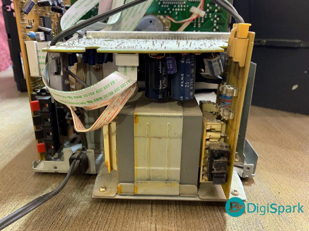 برد تغذیه ضبط صوت قدیمی سونی در فرایند بازیابی آن - دیجی اسپارک